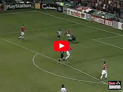 Del Piero porta in vantaggio la Juve contro il Manchester